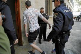 Dos detenidos por desfigurar la cara a un hombre con un cúter