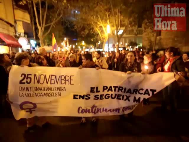 Centenares de personas piden en Palma políticas efectivas contra la violencia machista