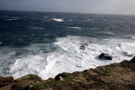 Cerrado el puerto exterior de Ciutadella por vientos fuertes del noroeste
