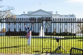 Detienen a un hombre por tratar de saltar la verja de la Casa Blanca