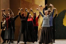 El Principal 'baila' en el centenario de  'El amor brujo' con el Ballet Español