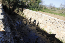 GADMA denuncia el vertido continuo de agua contaminada en el torrente de Solleric