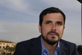 Garzón: «Todos los partidos caminan corriendo hacia un centro superpoblado»