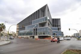 Acciona propone entregar el Palacio de Congresos el 24 de febrero