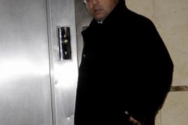 El juez retira el pasaporte a Flaquer y le prohíbe abandonar el territorio nacional sin autorización
