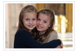 La princesa Leonor y la infanta Sofía, protagonistas de la felicitación navideña de los Reyes