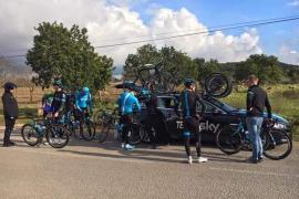 Palma Arena acoge la pretemporada de los principales equipos ciclistas