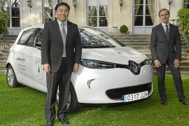 Renault ha entregado un Zoe al embajadador de Francia en España