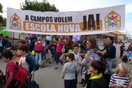 Excursión reivindicativa para reclamar una nueva escuela en Campos