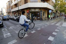 La policía evita el linchamiento de un conductor ebrio que atropelló a un ciclista en Palma