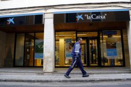 El atracador de la farmacia de sa Coma asalta ahora un banco en Son Servera