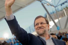 Rajoy advierte sobre los «cantos de sirena» del populismo y «la bisoñez»