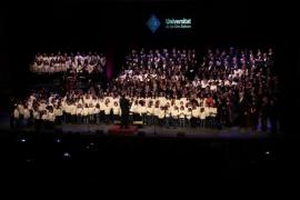Coros y solistas para Cáritas