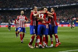 Un gol de Griezmann sitúa al Atlético a la altura del Barcelona