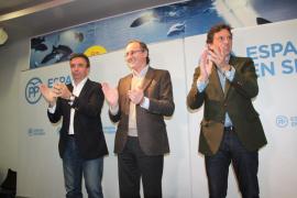 Alonso advierte en Palma del peligro de los «experimentos» y de los «políticos televisivos»