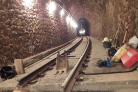 El Ferrocarril de Sóller renueva la vía en el túnel 500