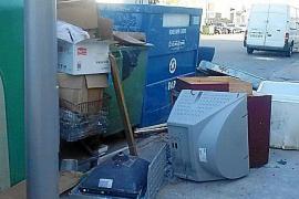 El PP lamenta que Palma «está más llena de trastos y sucia que nunca»
