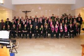 La Gent Gran Punta n'Amer y la Banda de Música de Sant Llorenç, en Sa Màniga