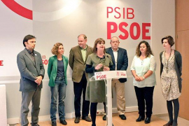 Meritxell Batet, junto a Francina Armengol y Ramón Socías en la sede del PSOE de Palma