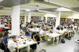 Cerca de treinta bibliotecas cerraron en las Islas entre los años 2012 y 2014