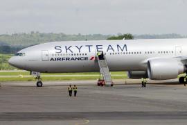 Un avión de Air France aterriza de emergencia en Kenia por una alerta de bomba, que resultó ser falsa