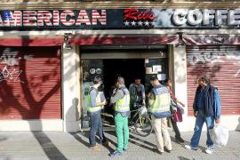 Trabajadores de los locales precintados piden la apertura bajo control judicial