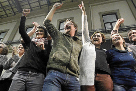 Podemos arrasa en Catalunya y se impone al independentismo