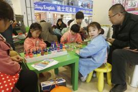 El Gobierno chino incentiva a que las parejas tengan dos hijos
