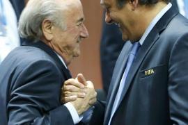 El Comité de Ética de la FIFA expulsa a Blatter y a Platini del fútbol