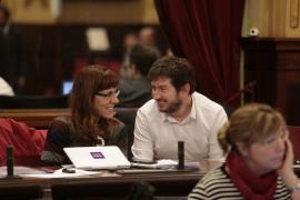 El PP critica a Podemos en el pleno del Parlament: «No es un círculo o asamblea»