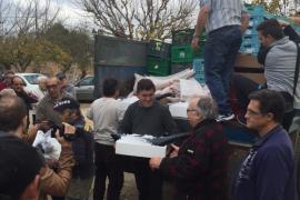 Asaja dona un camión cargado de alimentos a Ca'n Gazà