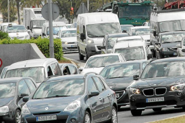 Cort quiere reducir a la mitad los desplazamientos en coche