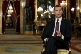 PP, PSOE y Ciudadanos valoran las palabras de diálogo del Rey, mientras que Podemos e IU las critican
