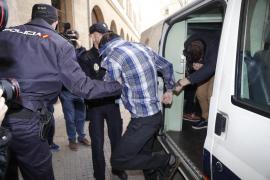 Pasa a disposición judicial el acusado de matar a una mujer en Es Fortí