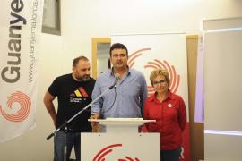 Otros tres cargos de EU se suman a la renuncia de Manel Carmona