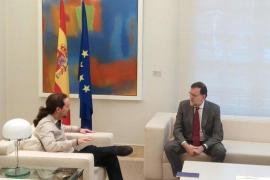 Iglesias traslada a Rajoy que «no toca hablar de sillones, sino de España»