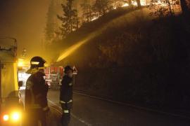 Se reducen los fuegos activos en Cantabria mientras la lluvia da un respiro