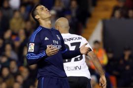 El Real Madrid empata en Mestalla y no disipa dudas