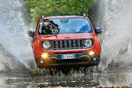 El Jeep Renegade elegido mejor '4x4 del año 2016'
