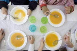 Educació convoca las ayudas de comedor con dos meses de retraso