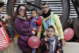 Familia en el Festival de Los Reyes Magos