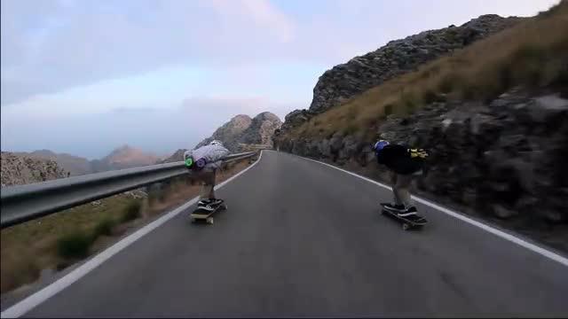 Detectan temerarias carreras ilegales con monopatines en el descenso de sa Calobra