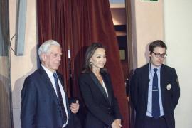 Isabel Preysler y Vargas Llosa acuden al homenaje a Carmen Balcells