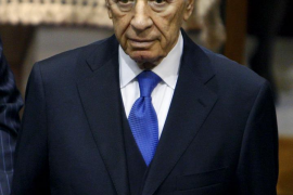 El expresidente israelí Simón Peres, intervenido de urgencia del corazón