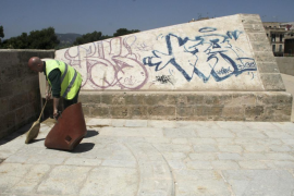 Un año de cárcel y 3.000 euros de multa para el grafitero del Baluard del Príncep