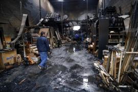 Un fallo eléctrico, posible causa del fuego que arrasó una nave en Son Rossinyol