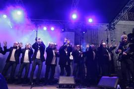 Quejas por la indumentaria del Mallorca Gay Men's Chorus en el pregón de Sant Sebastià
