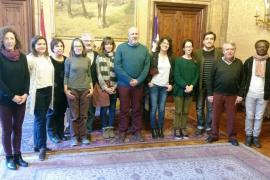 Ensenyat se reúne con miembros de la Plataforma Volem Via Verda de Alaró