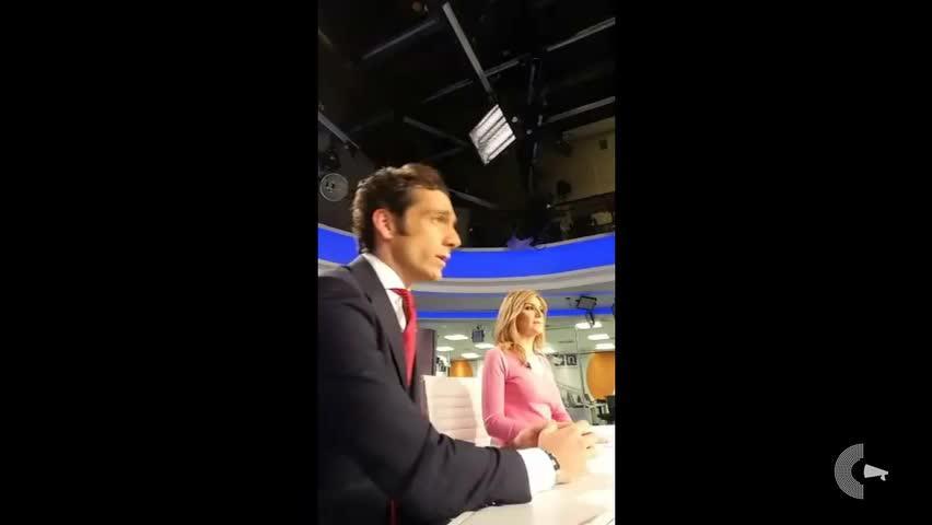 La expresión de los presentadores del informativo de Antena 3 incendia las redes