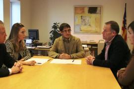 El Govern y Carrefour agilizarán la gestión  de empleos del nuevo Fan Mallorca Shopping